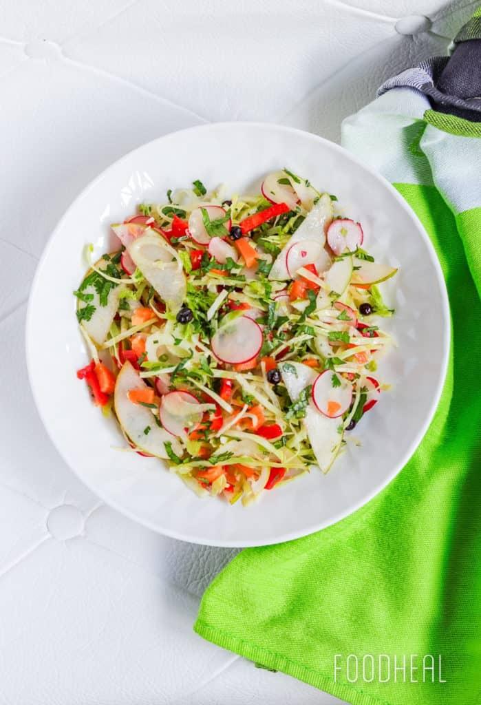 Autumn raw veggies salad