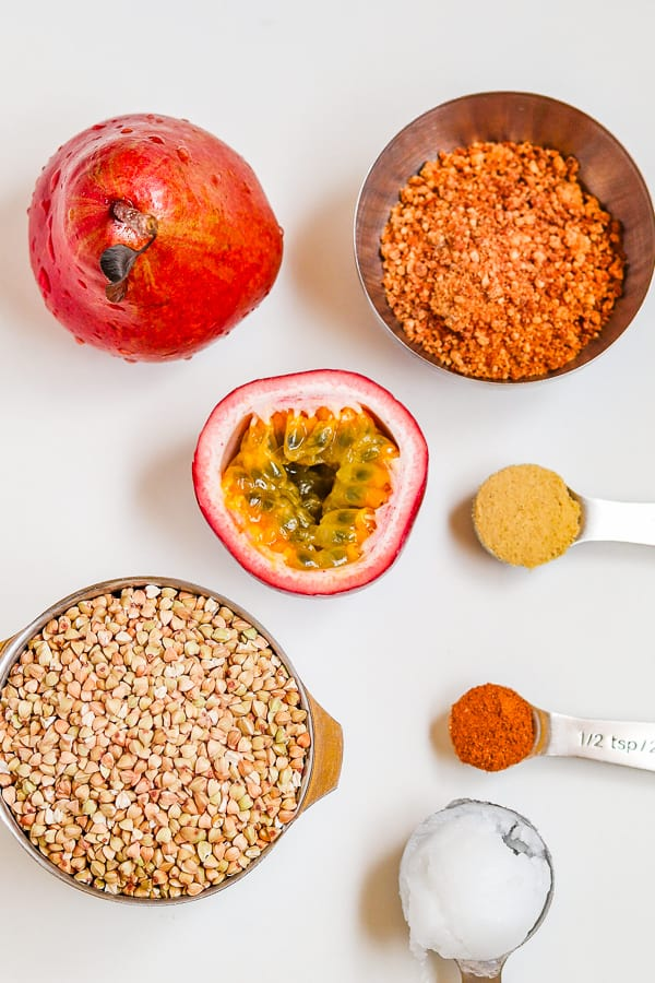 ingredients for crunchy caramelized buckwheat groats