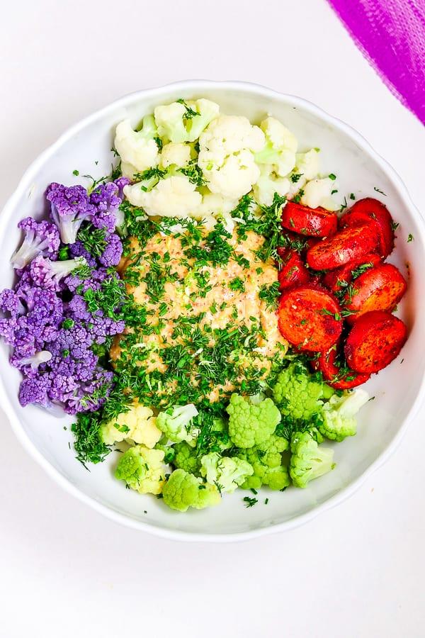 Salade de chou-fleur aux pommes de terre rôties au paprika fumé