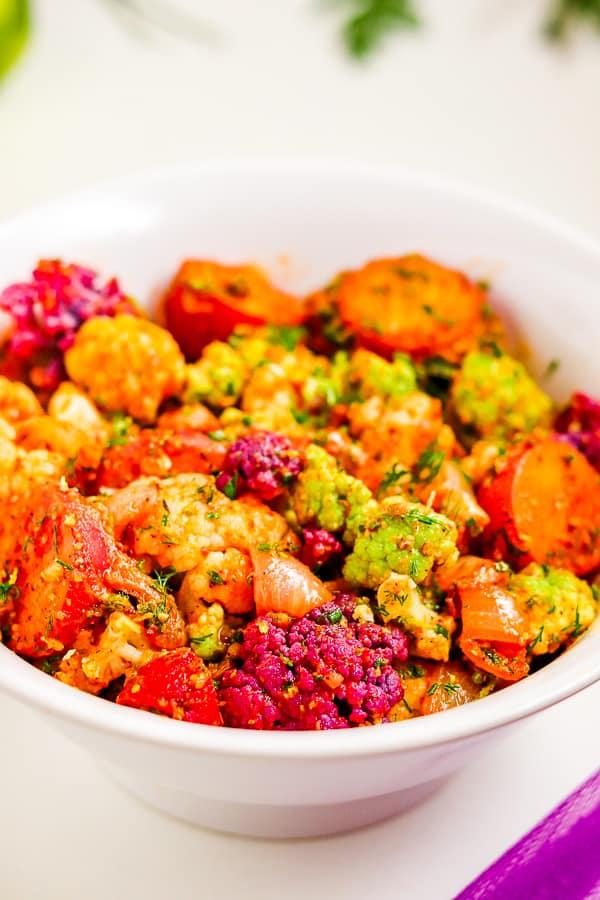 bokeh salade de chou-fleur avec pommes de terre rôties