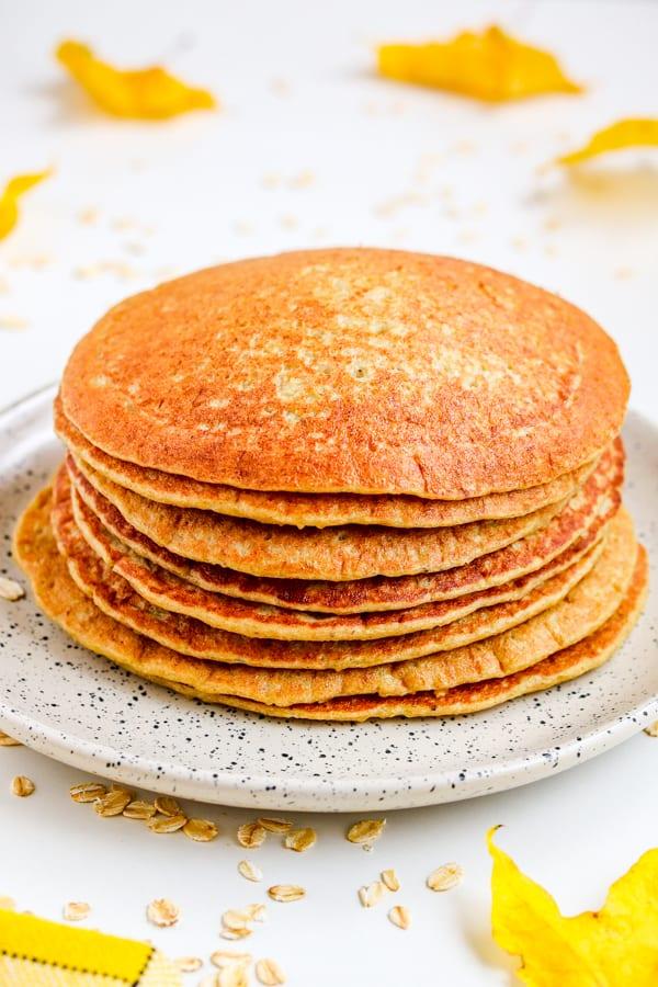 healthy & easy oatmeal pancakes