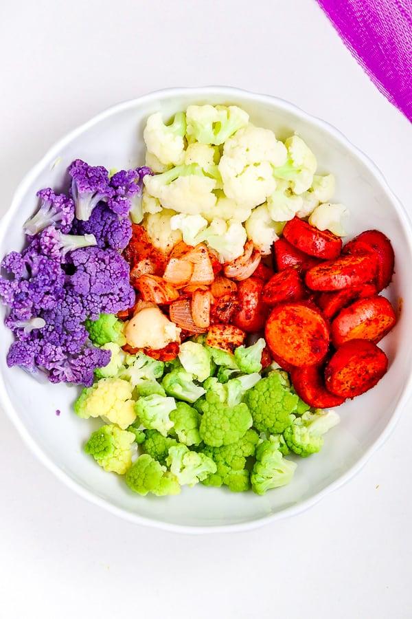 préparer une salade de chou-fleur avec des pommes de terre rôties