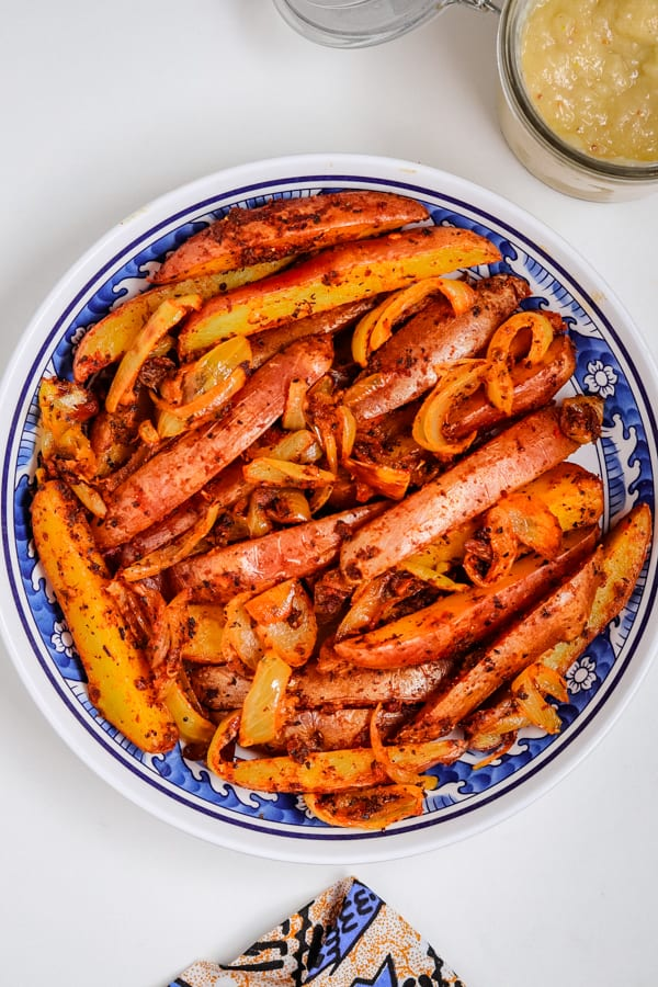 baked potato wedges served in a plate