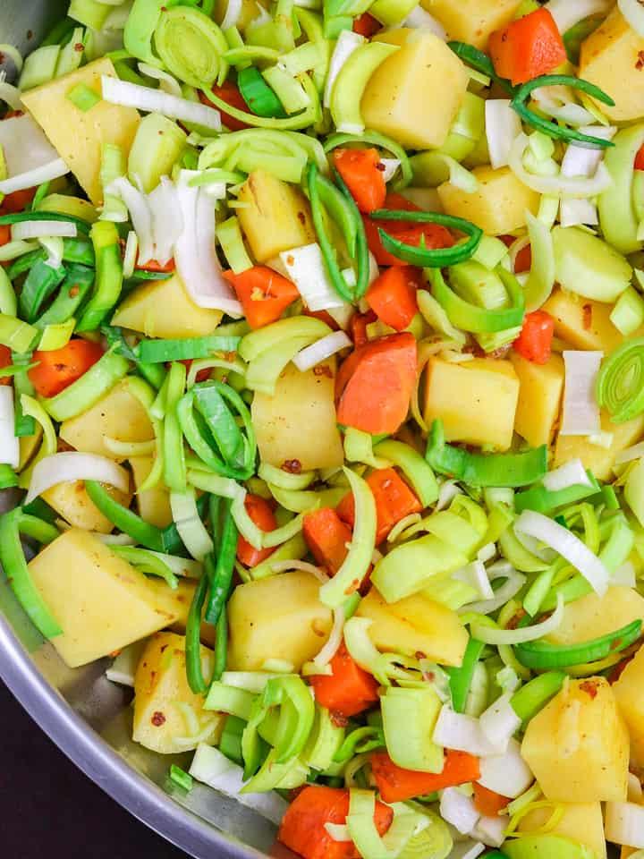 Cooking potato leek soup