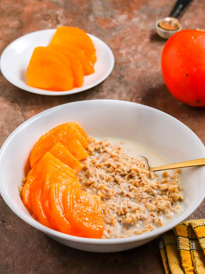 vegan oats with persimmon fruit