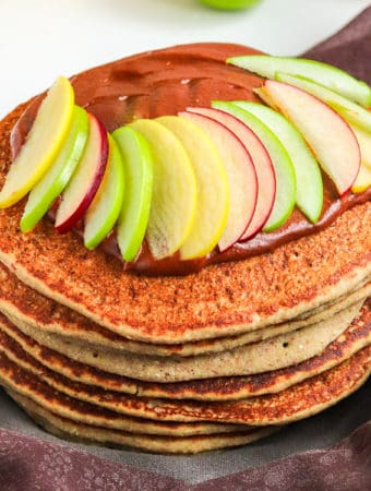 buckwheat pancakes with homemade applesauce, cacao spread & sliced apples