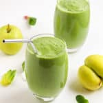 green smoothie with green apples and spinach