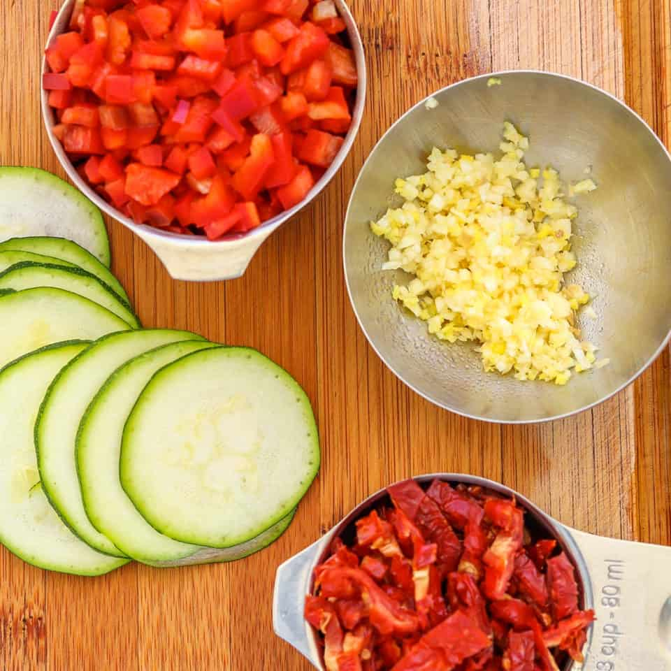 ingredients for zucchini salad with sun-dried tomatoes