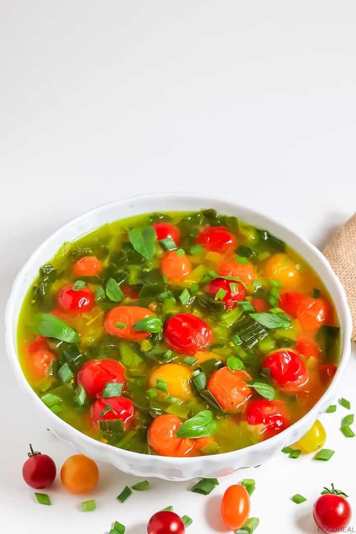 Spring onion tomato soup