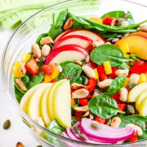 baby spinach salad with nectarine & apple