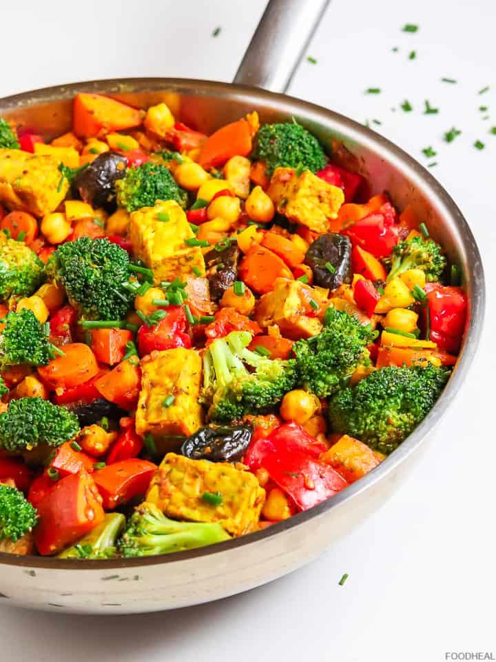 Recette au potimarron et brocoli, tempeh, pois chiches et tomates