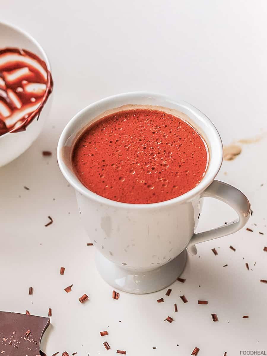 Chocolat chaud dans une tasse