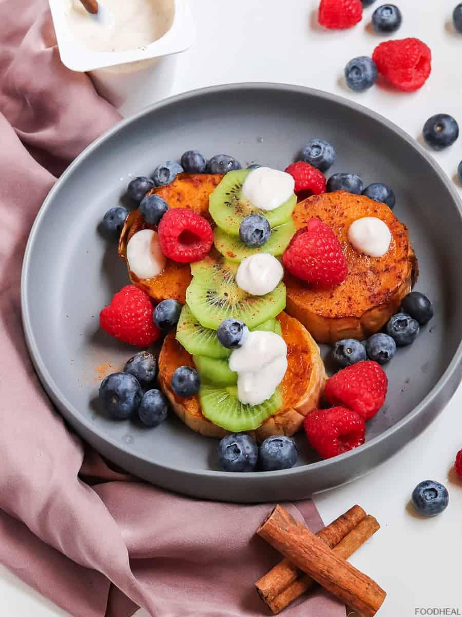 vegan breakfast with butternut & berries