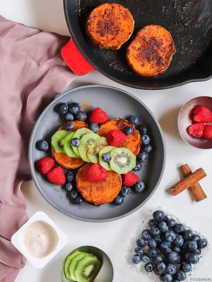 breakfast idea with butternut & berries